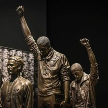 Tommy-Smith-John-Carlos-African-American-Museum-600x600